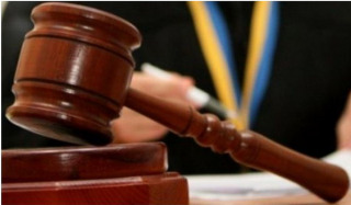 Dissatisfied with the decision of the court, which stopped the case on the eviction of the priest from the house in the village Sadov, OCU supporters attacked a lawyer