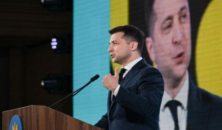 Zelensky's first reaction to the standing of the UOC near the Rada: Grannies in the opposition party caps