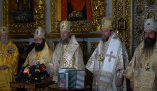 At the UOC Cross Procession, we saw many good people – a representative of the Serbian Orthodox Church