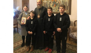 The UOC Chancellor helped the family of a deceased cleric from the Rivne region with funds for house renovation