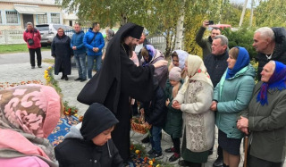 """""""Bishop"""" of the OCU entered the temple of the UOC in Uspenka"""